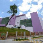 Fachada del nuevo edificio del hospital nacional de Maternidad, en el Barrio Santa Anita, en San Salvador.