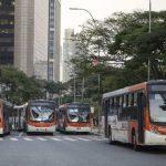 Autobuses urbanos bloquean la Avenida Feria Lima, en Sao Paulo (Brasil). foto edh / efe