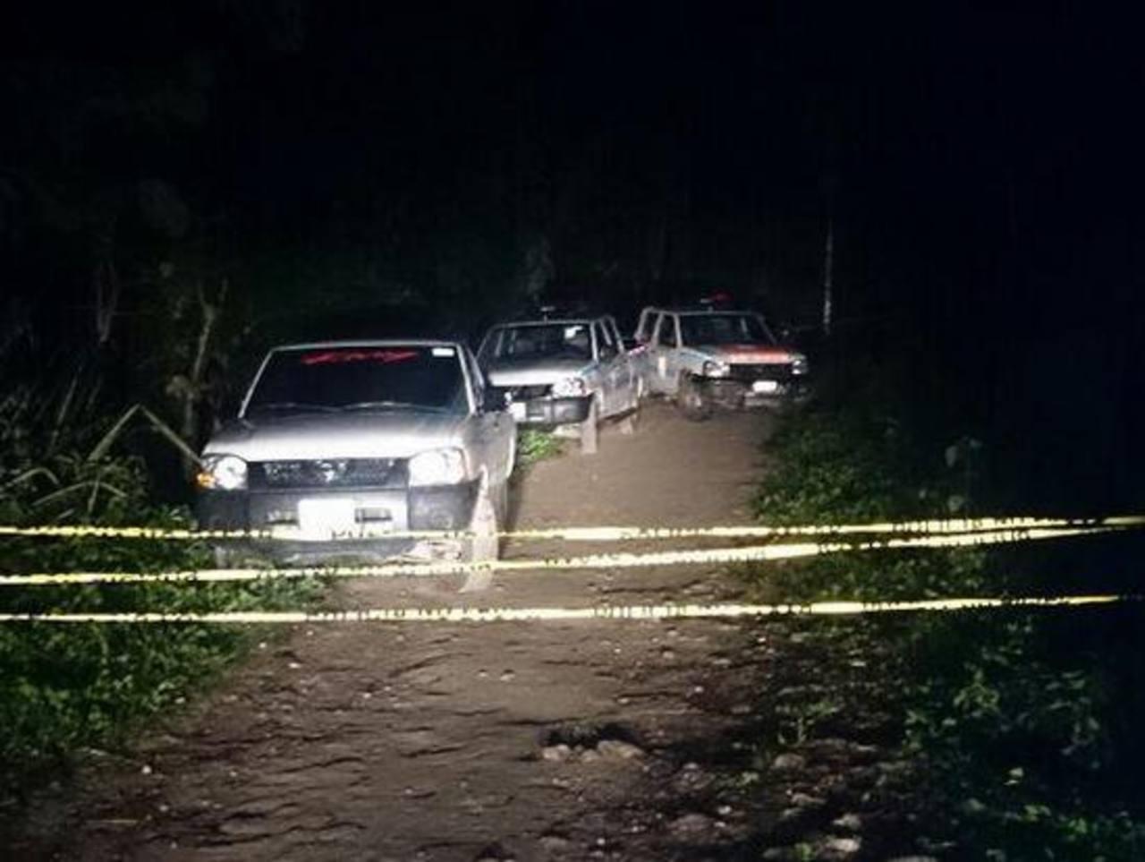 En cantón Tecoluco, San Pedro Perulapán, Cuscatlán, fueron asesinados esta noche Guillermo Sánchez, de 50 años, y José Girón, de 42, ambos agricultores