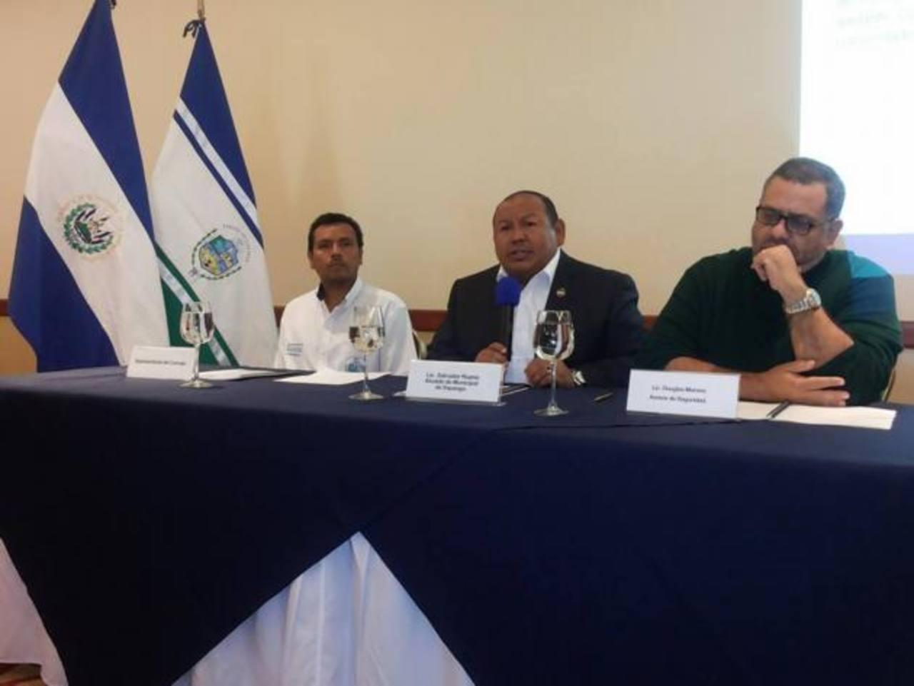 El alcalde Salvador Ruano, explicó los detalles de esta iniciativa que busca una cultura de paz. Foto edh / cortesía