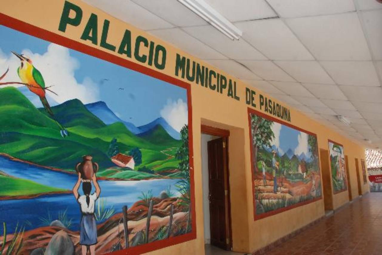 La alcaldía de Pasaquina debe cancelar un promedio de 130 mil dólares a dos empresas constructoras por obras ejecutadas en 2007 y 2008; pero no disponen de fondos. Foto EDH / Insy Mendoza