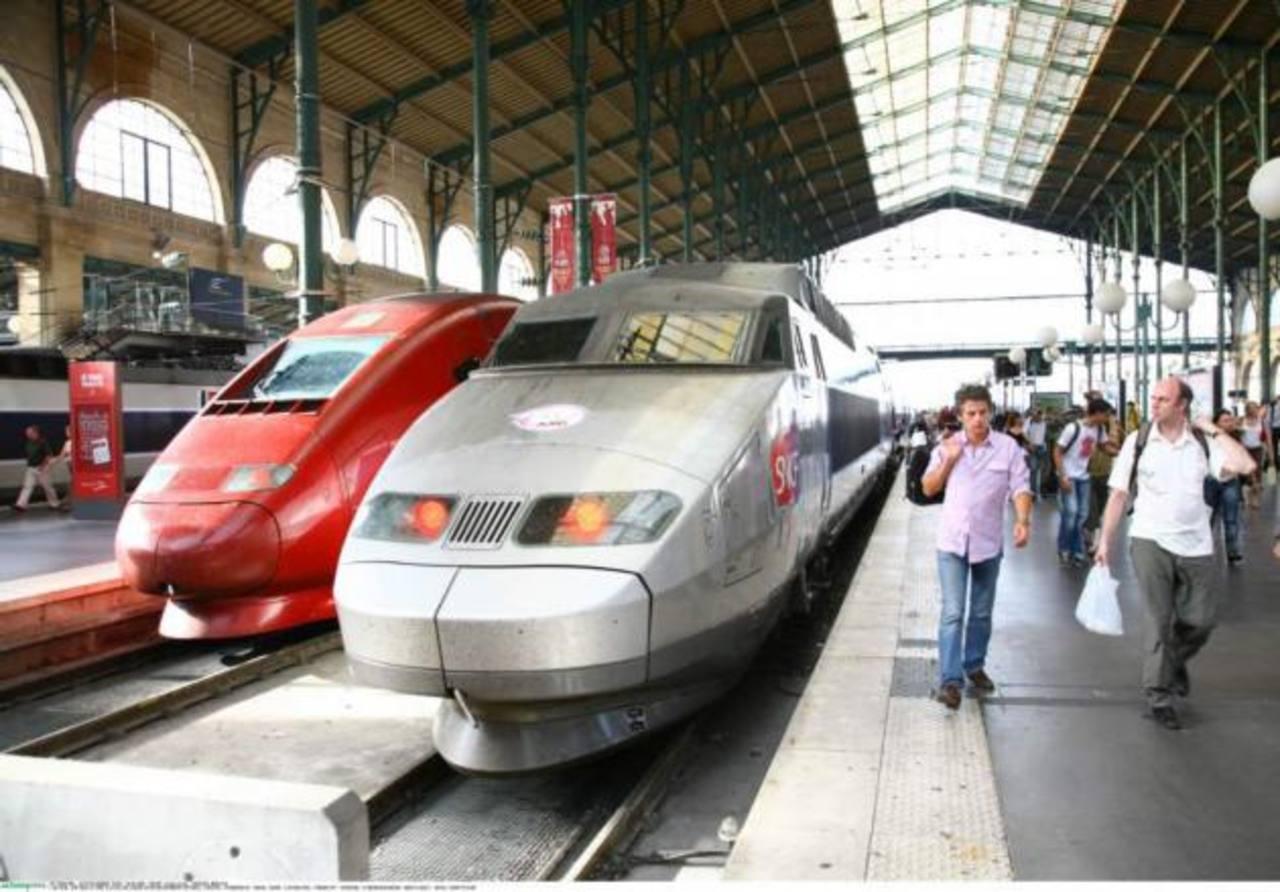 En el marco de la renovación de su flota ferroviaria, el gobierno francés mandó a construir unos 2 mil vagones, pero estos y sus máquinas de momento son inútiles. Foto EDH / internet