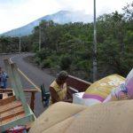 Familias evacuadas de los alrededores del Chaparrastique