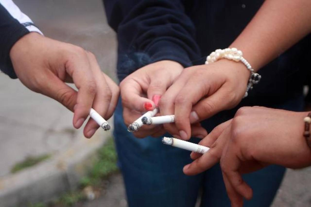 Adolescentes experimentan con tabaco antes de los 14 años