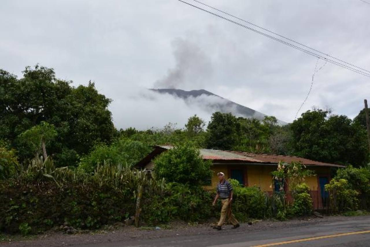 Lluvias generan más deslaves en volcán