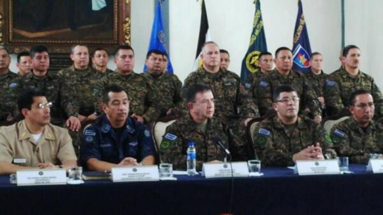 """Ministro de Defensa: """"Unidades militares no son resguardos de criminales"""""""