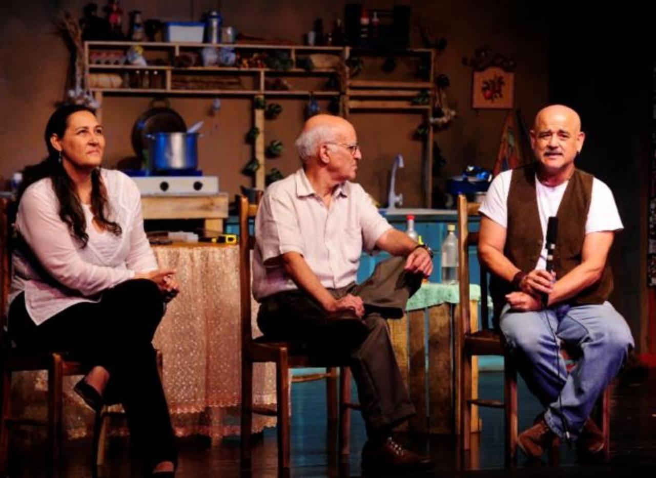 En la imagen, Tatiana de la Ossa, Roberto Salomón y Chumi.