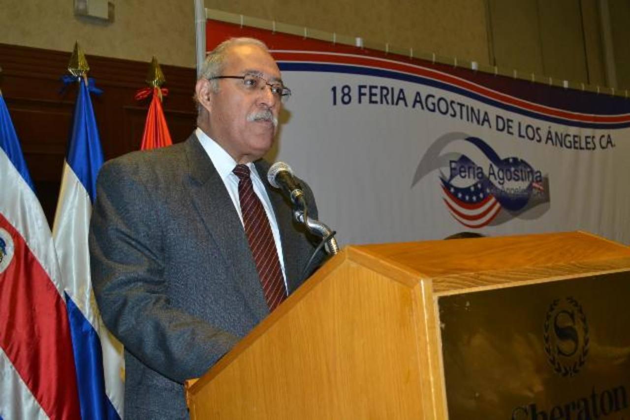 Rogelio Guerra, gerente general Sistema Fedecrédito, anunció la participación en la feria. Foto EDH / Mario Díaz