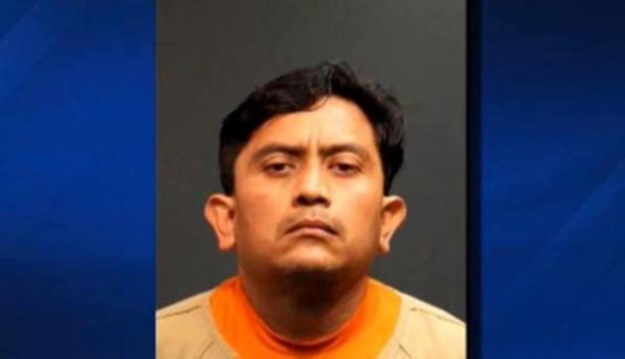 Detienen a hombre que mantuvo secuestrada a mujer por 10 años