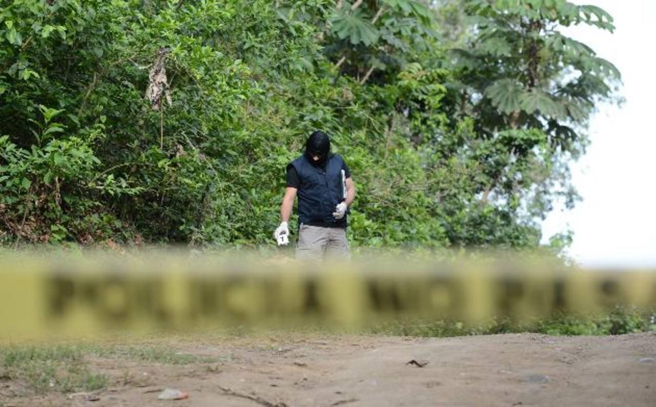 Un vigilante privado fue ultimado a balazos en el caserío Las Crucitas, de Huizúcar, La Libertad. foto edh / douglas urquilla
