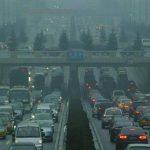 La mayor fuente de contaminación es la emisión de gases tóxicos por el transporte rodado. foto edh