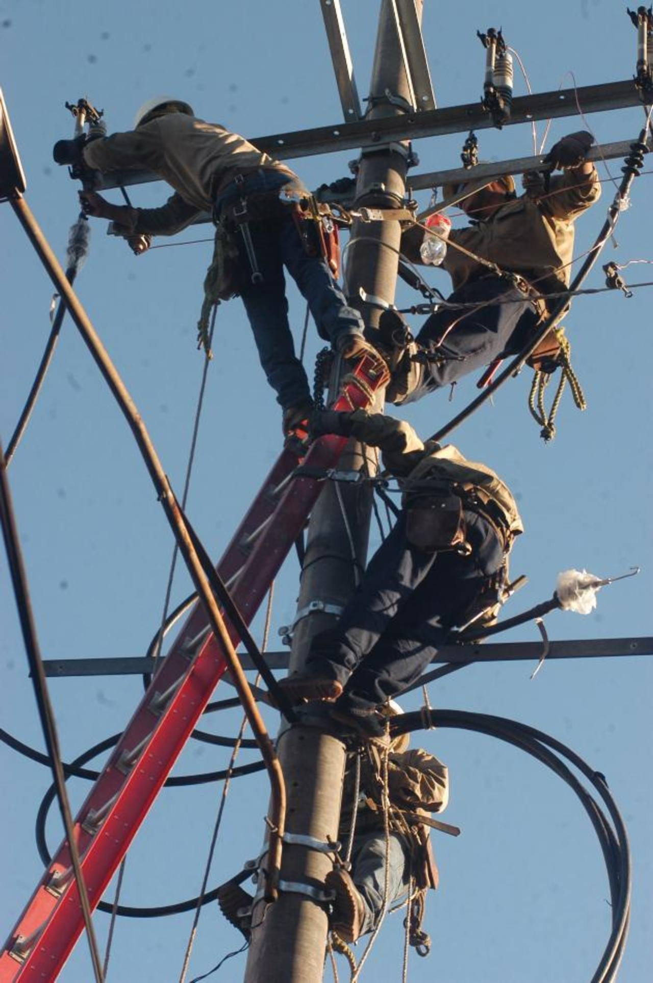 Subsidios como el de la electricidad ponen fuerte presión sobre las finanzas públicas. foto edh / ARCHIVO