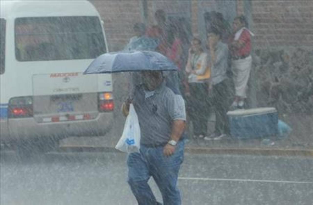 Onda tropical afectará al país por 72 horas