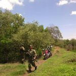 Soldados en la búsqueda de los trabajadores de la pesca desaparecidos en Usulután.