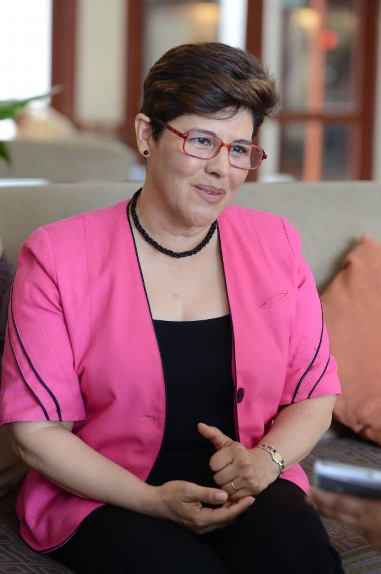 Por su trabajo y su contribución al desarrollo económico y social del país, Mirna Liévano de Marques será acreedora al reconocimiento de Fusades. foto edh / Mauricio Cáceres