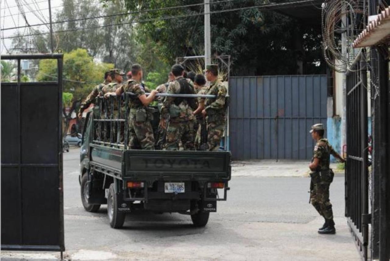 Ministerio de Defensa impide labor de Fiscalía en investigación a militares