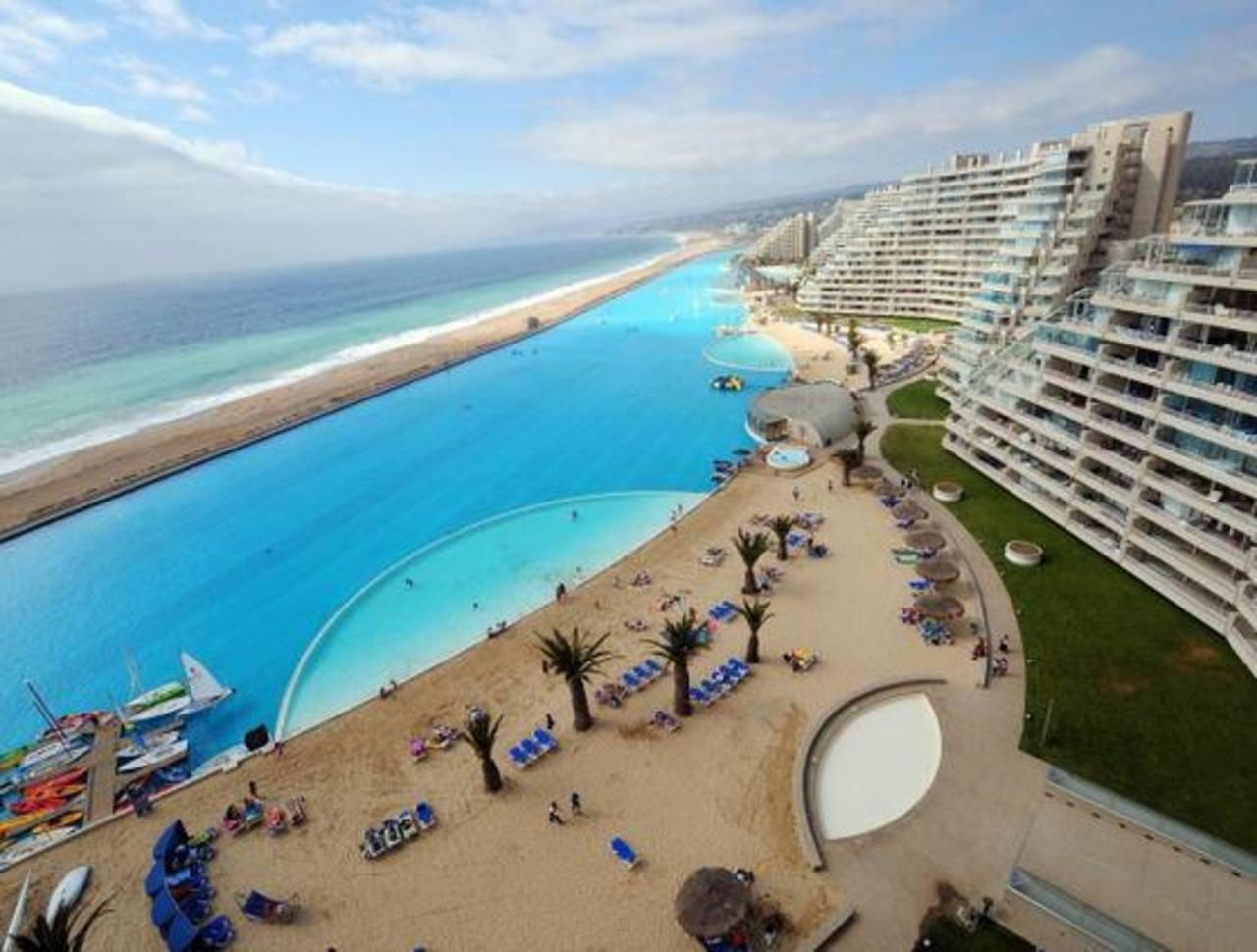 Sabes d nde est la piscina m s grande del mundo for Piscina mas grande del mundo chile