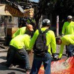 Los trabajos de limpieza en las diferentes colonias de esa municipalidad se extendieron hasta la tarde, con apoyo de 25 camiones de basura de otras alcaldía. Foto EDH / CORTESÍAAyer por la mañana las autoridades de la comuna de Soyapango organizaron