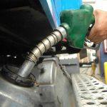 Leves bajas en precios del diésel y gasolina regular