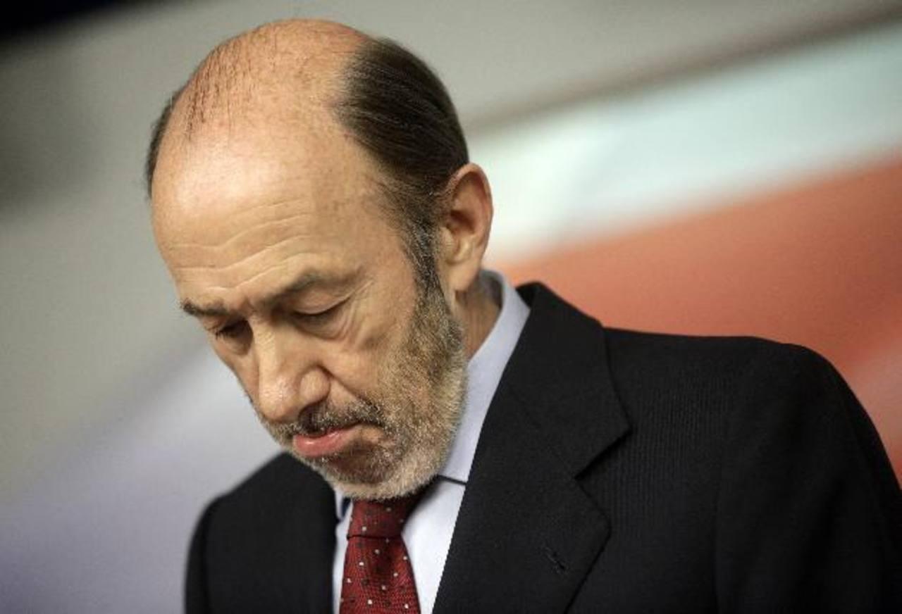 El jefe del socialismo español Alfredo Pérez Rubalcaba, 62 años dejará la dirección del partido en julio. foto edh / reuters
