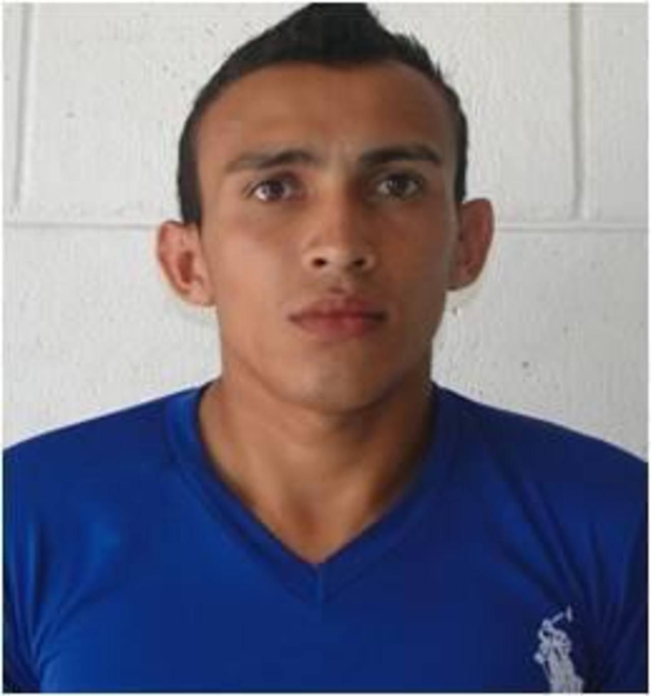 Luis Alonso Sandoval es acusado de asesinar a Raúl Parada, director del Centro Escolar Evaristo Mejía, en San Miguel.