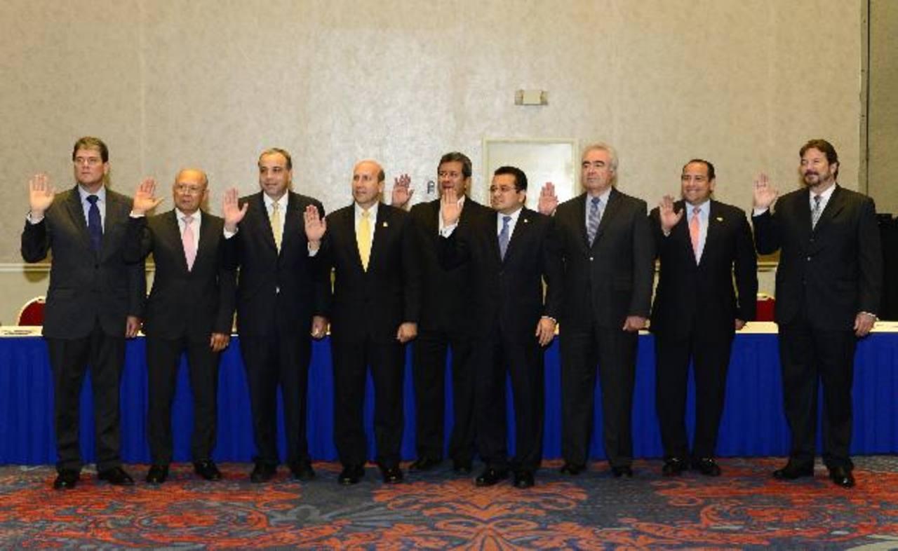 El Comité Ejecutivo que dirigirá el periodo 2014-2015. Foto EDH/René Estrada