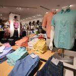 La cadena Arturo Calle produce cerca de 550 mil prendas de vestir al mes, sin contar los accesorios. Foto de Expansión/ Mauricio Cáceres.
