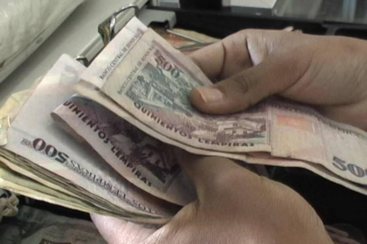 El presidente Barack Obama propuso aumentar el salario mínimo federal de $7.25 a 10.10 por hora, efectivo a partir de abril de 2015.