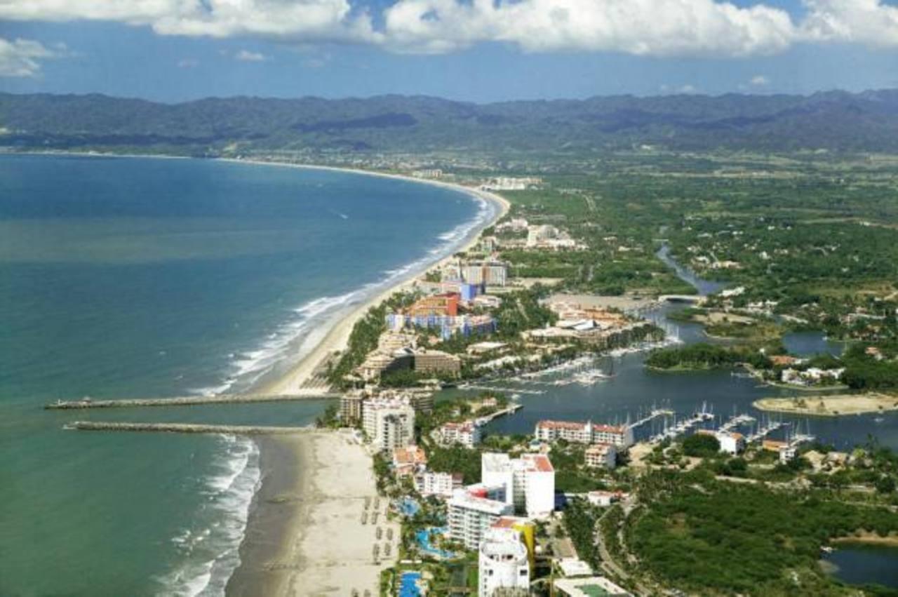 Empresas lusas construirán en la Riviera de Nayarit, desarrollar infraestructura turística de más de 7,000 cuartos y una inversión inicial de 3,000 millones de pesos mexicanos.