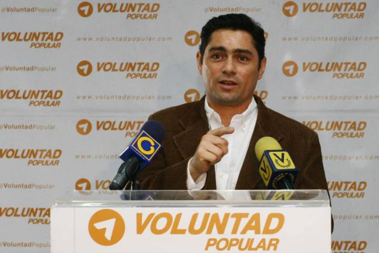 Opositor huye para denunciar situación venezolana