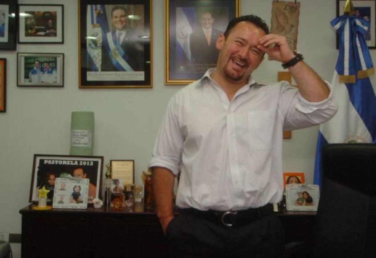 Diputado Gallegos alborota Twitter con falsa captura de Francisco Flores