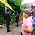 Vitelio Teos Paz, de 19 años, murió ayer cuando trabaja en una zanja donde se instalaría el sistema de aguas negras de la colonia Maribú Sur, en San Marcos. Foto EDH / René Quintanilla.
