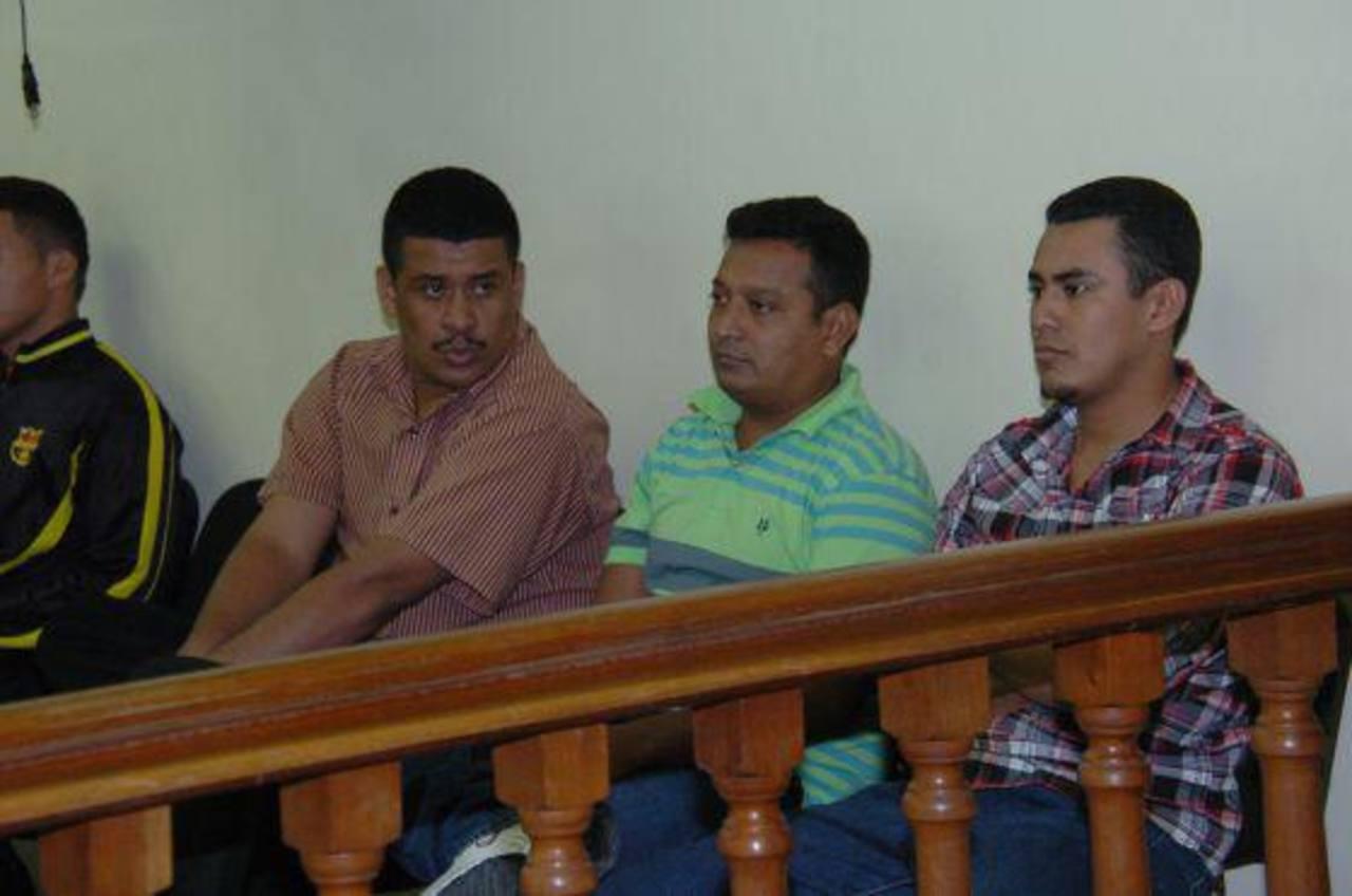 Los tres condenados a cadena perpetua durante una de las audiencias en los tribunales hondureños. Foto edh/Tomada de La Tribuna