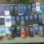 Estos son los celulares encontrados en el penal