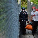 El cuerpo de una mujer fue encontrado en el río Acelhuate en las cercanías del kilómetro ocho de la carretera Troncal del Norte. Foto EDH / Jaime Anaya