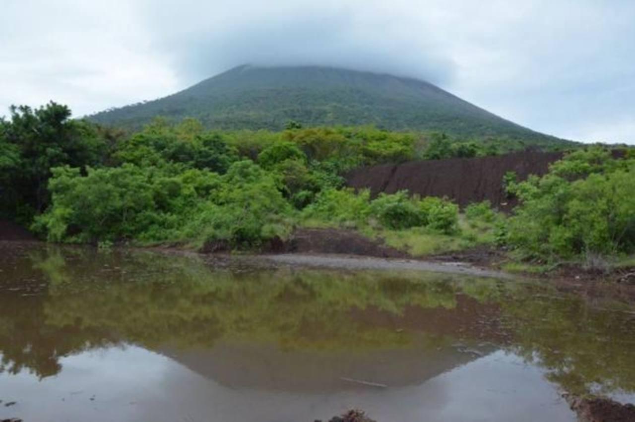 Las lluvias dañaron dos de los reservorios en el volcán Chaparrastique.