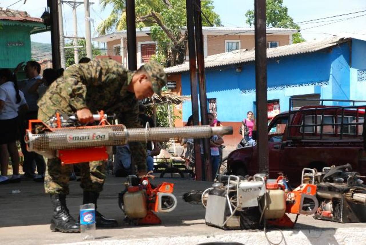 La campaña inició en el barrio Las Flores, uno de los más populosos de la cabecera. Foto EDH / insy mendoza