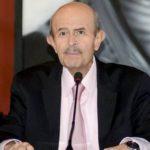 Fausto Vallejo se separa del cargo para atender su salud