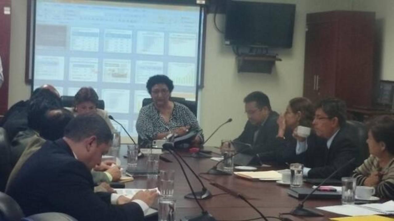 Representantes de la ANEP en la Comisión de Hacienda