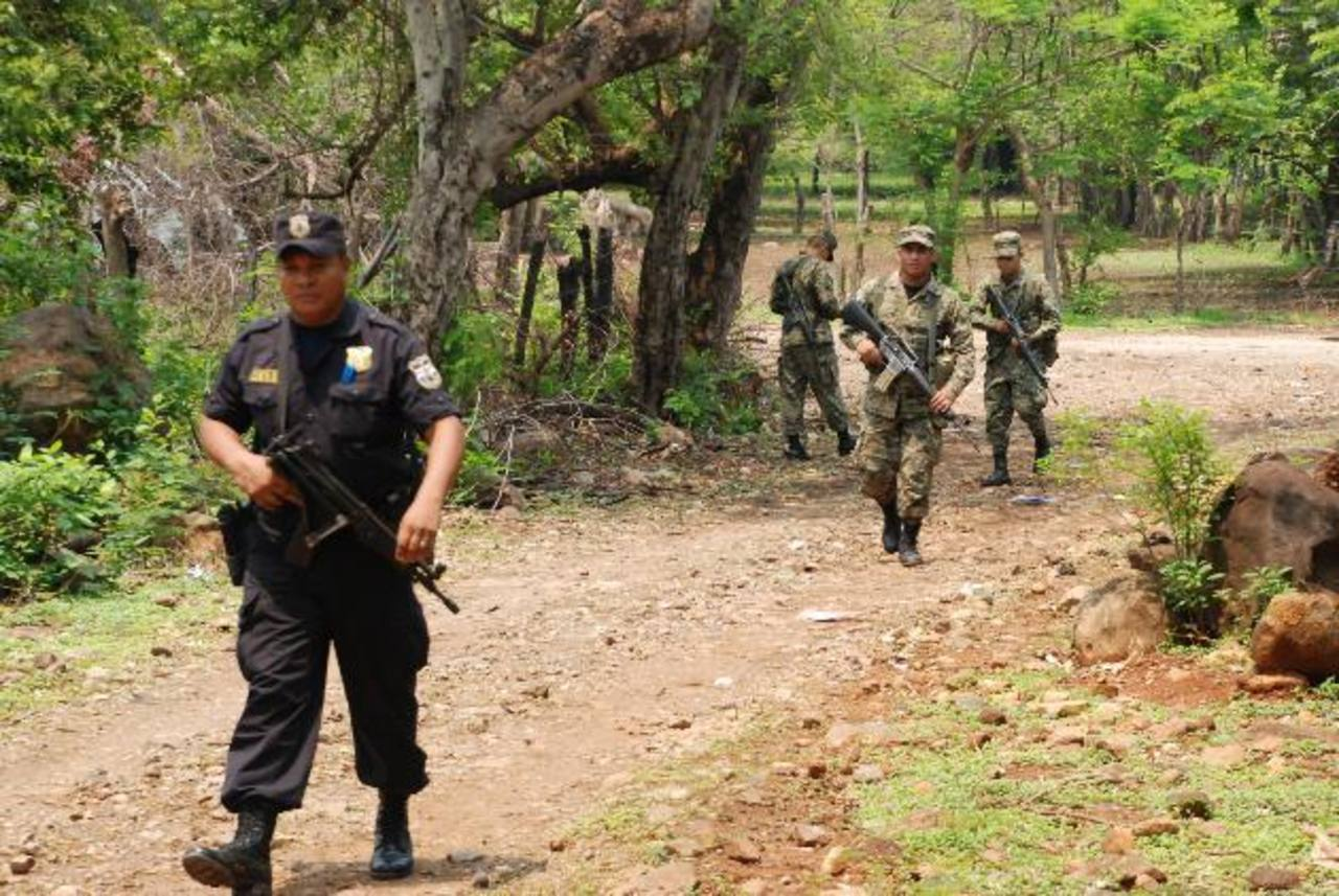 Sánchez Cerén, presidente de El Slavador, dijo que Fuerza Armada seguirá apoyando a la Policía