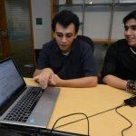 Dos salvadoreños destacan en concurso de la NASA