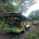 Pandilleros asaltan bus y lo incendian en San Vicente