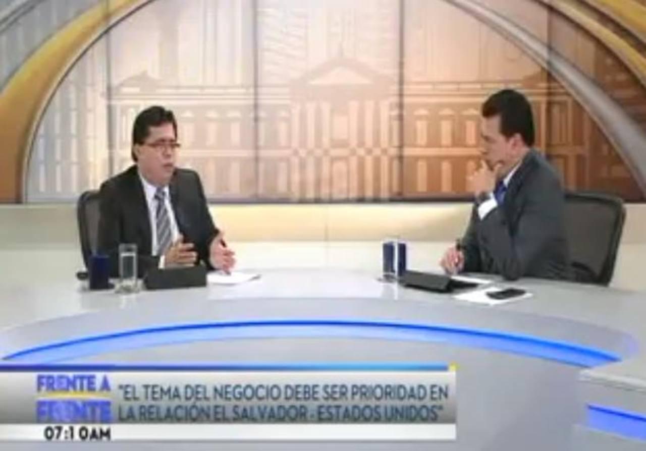Lorenzana reiteró en entrevista TCS deseo de dialogar y buscar acuerdos para resolver los problemas del país. Foto edh /archivo