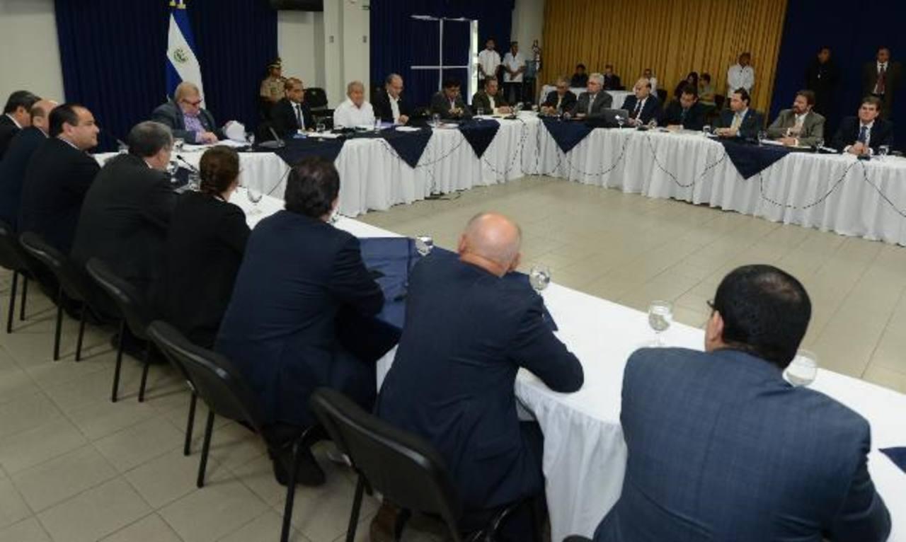 ANEP insta a Goes a crecimiento del 3 % y disciplina fiscal