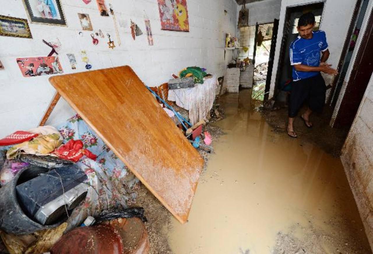 La comunidad La Nueva Esperanza resultó afectada por las inundaciones. Unas seis familias fueron evacuadas por el alto riesgo. foto edh / Claudia Castillo