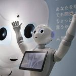 """Empresario japonés presentó a Pepper, el robot """"cariñoso"""""""