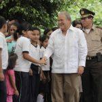 Sánchez Cerén promete invertir $115 millones en escuelas