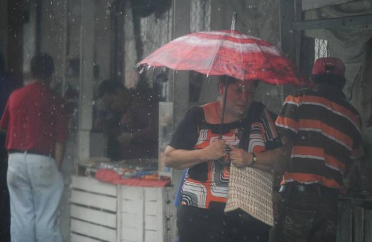 Onda tropical causará lluvias de moderada a fuerte intensidad en el país