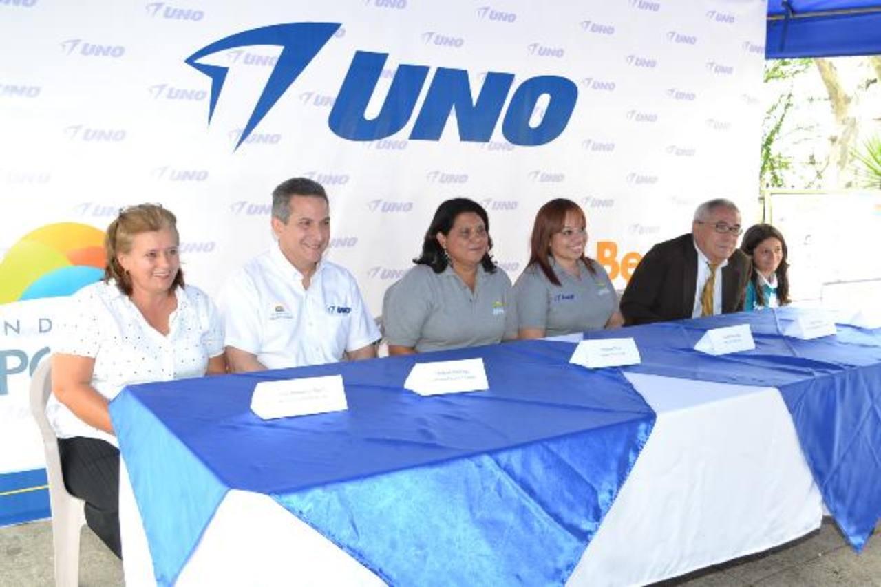 Representantes Uno durante la conferencia. EDH / Mario Díaz