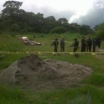 Los dos ocupantes de la avioneta accidentada fueron trasladados en helicóptero al Hospital Militar